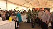 PANGLIMA TNI DAN KAPOLRI TINJAU PELAKSANAAN VAKSINASI PRAJURIT TNI-POLRI DI KEPRI