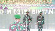 Dandim 0315/Bintan Serahkan Bingkisan dan THR ke Anggota Prajurit dan PNS